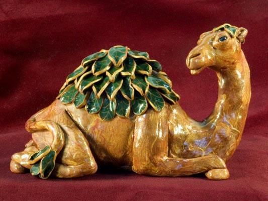Leafy Camel (6 x 4) polymerclay
